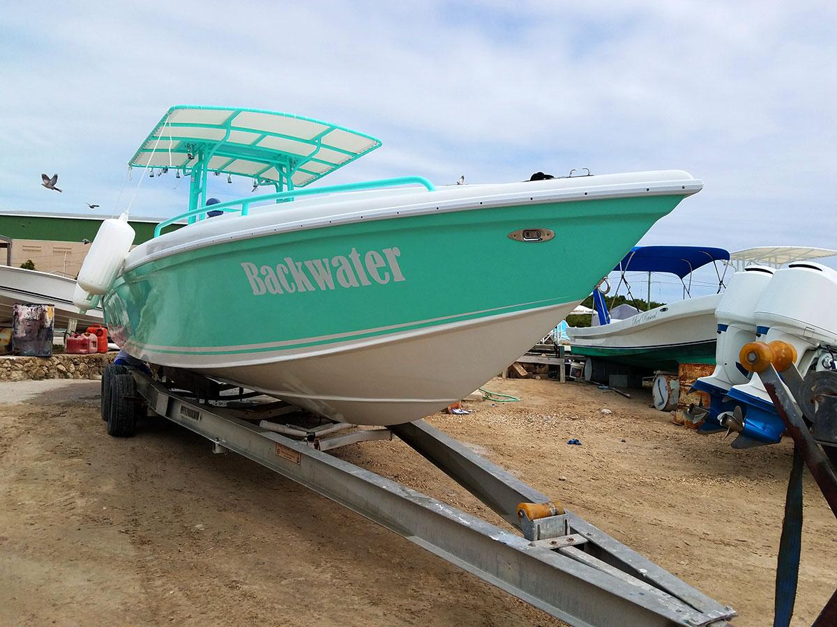 wahoo-30ft-boat-back-water-01